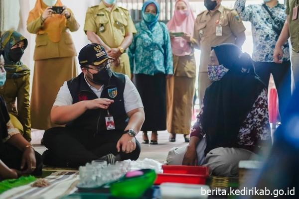 Ribuan Pelaku UMKM dan Pedagang Kecil Terima Bantuan Modal