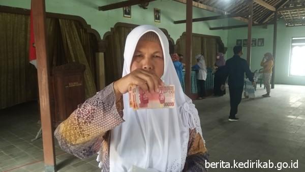 6.016 Warga dari 5 Kecamatan Terima BST Tahap IX