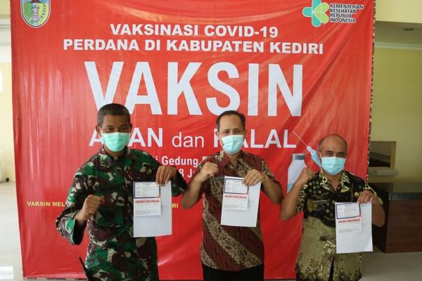 Vaksinasi Covid-19 Perdana Kabupaten Kediri