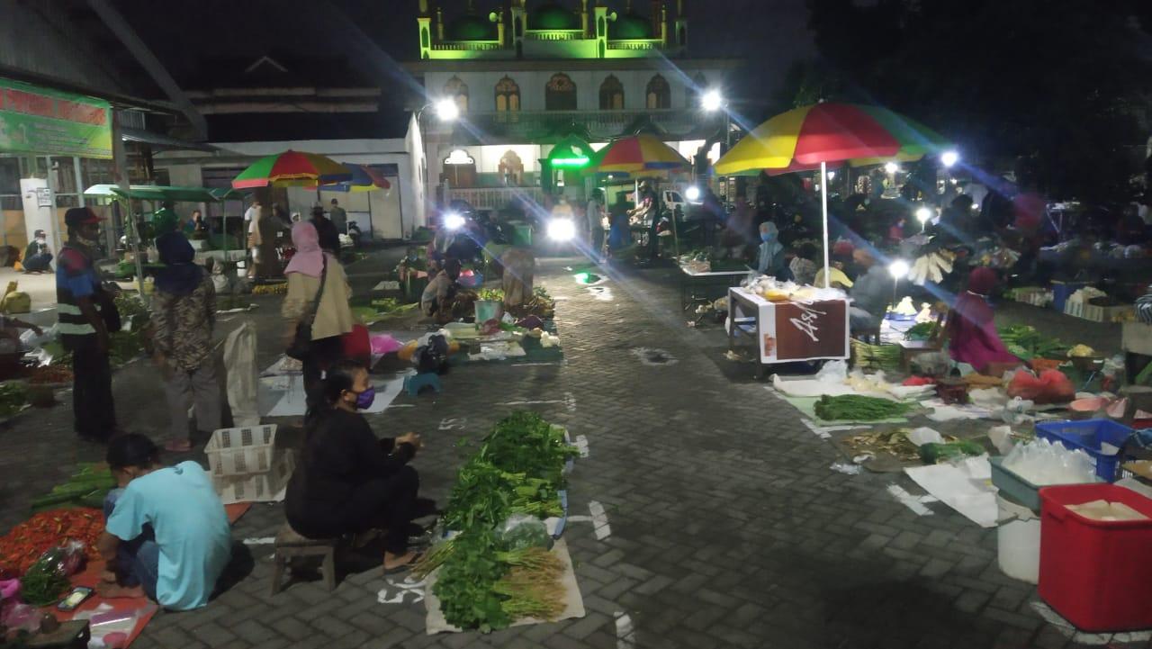 Dinas Perdagangan Terapkan Physical Distancing di Pasar Tradisional
